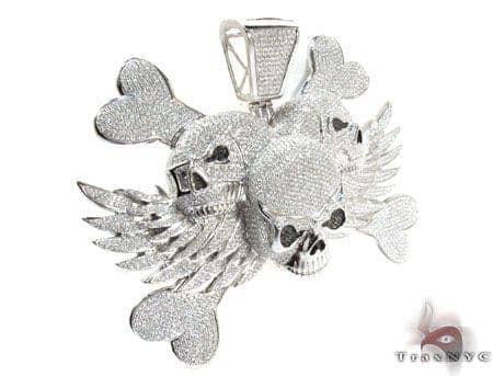 Tri-Skull Diamond Pendant Style