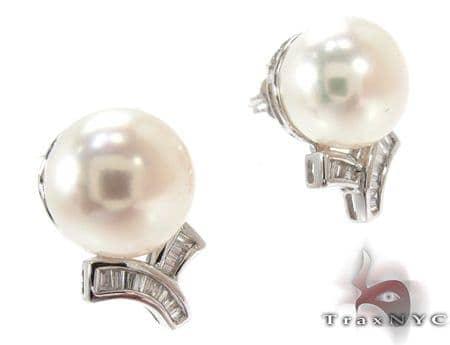 White Pearl Diamond Earrings 27342 Stone