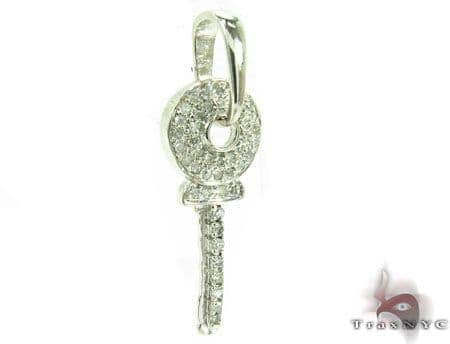 Secret Garden Key Pendant Style