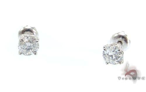 Classic Studs F Color VS1 Clarity 44408 Stone