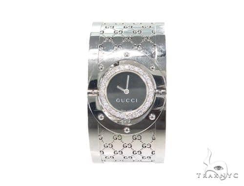 Pave Diamond Gucci 112 Twirl Bangle Ladies Watch YA112413 44149 Gucci
