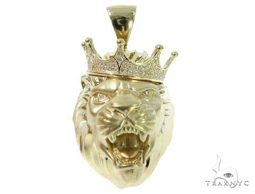 Crown Lion Diamond Pendant 49161 Metal