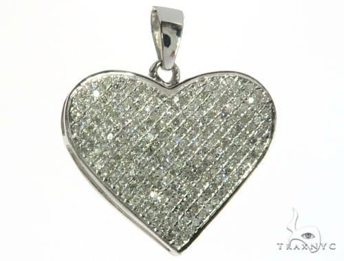 14K White Gold Diamond Heart Pendant. 63325 Stone