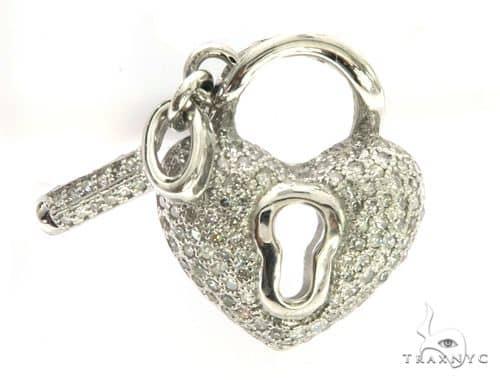 14K White Gold Diamond Stud Heart & Key Pendant. 63429 Stone