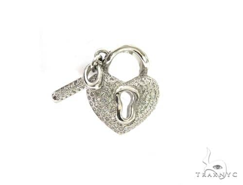 14K White Gold Diamond Stud Heart & Key Pendant. 63429 Stone