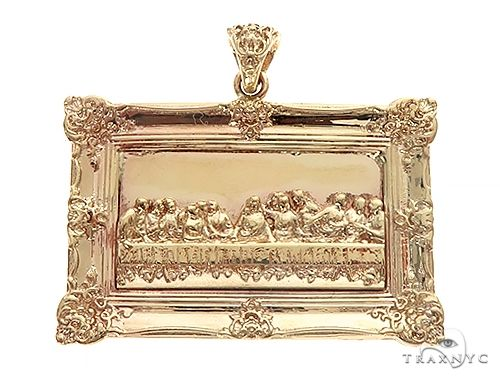 14k Gold Round Last Supper Pendant