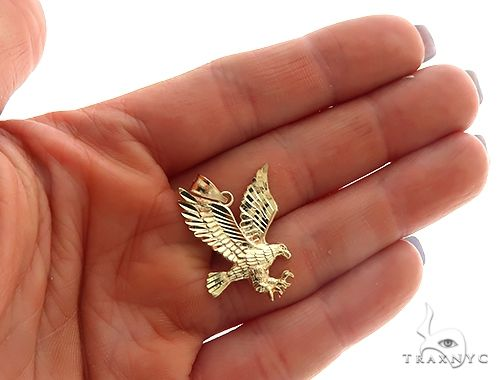 10k Yellow Gold Eagle Pendant. 0.5INx0.5IN